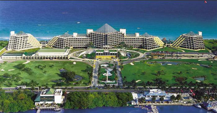 Paradisus Cancun, localizado na zona hoteleira.