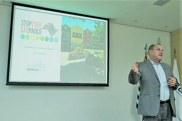 Toni Sando apresenta Stopover São Paulo para executivos da Braztoa. (Foto: divulgação)