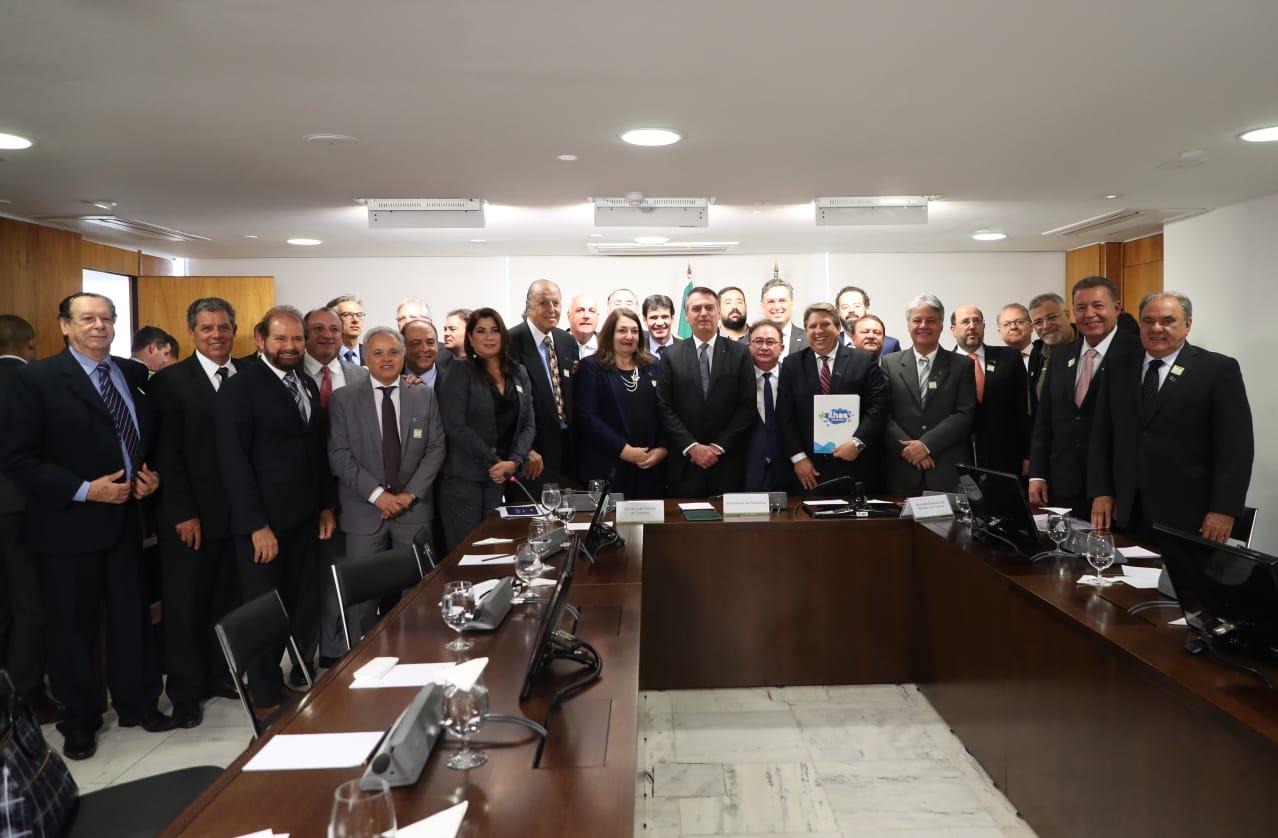 Representantes do trade com o presidente Jair Bolsonaro