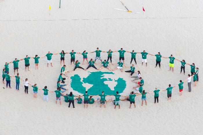 Com a iniciativa, o grupo pretende reduzir em 50% o consumo de plástico não reutilizável