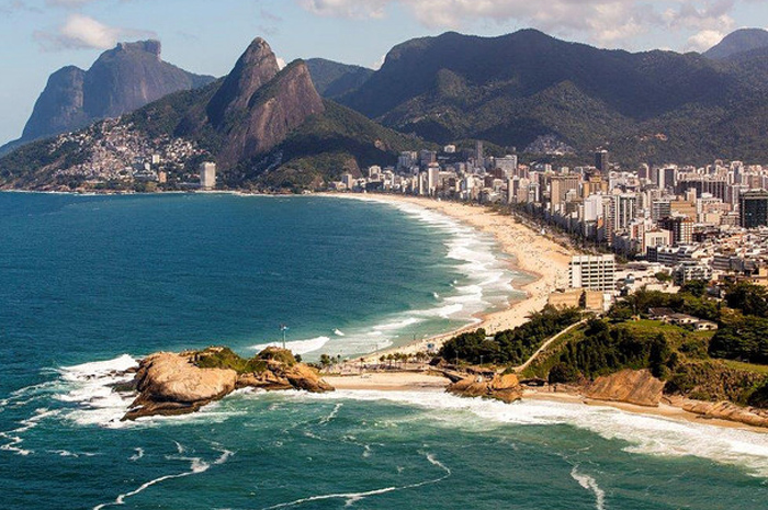 A pesquisa realizada pela Booking revela quais são os países que mais emitiram turistas para os principais destinos brasileiros