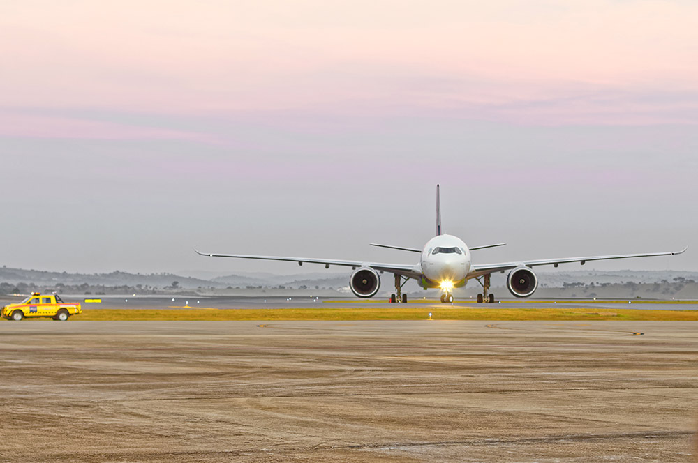 """A aeronave de matrícula PR-ANZ ganhou o nome de batismo """"O mundo é Azul"""""""