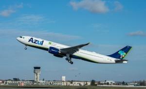 Azul suspende voos para Portugal após repatriar mais de 1,5 mil brasileiros