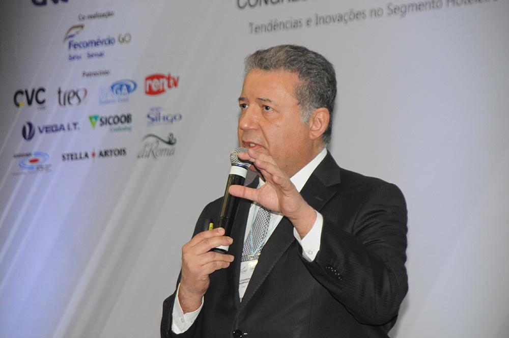 lexandre Sampaio, diretor da CNC responsável pelo Conselho Empresarial de Turismo e Hospitalidade (Cetur) da Confederação e presidente da FBHA.