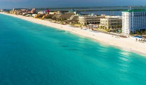 Governo adia reabertura de hotéis em Cancún e Riviera Maya