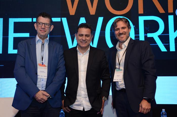 Eduardo Bekin, da Paraná desenvolvimento, Gilmar Piolla, secretário de Turismo de Foz do Iguaçu, e Ramiro Alem, CEO da Invertur