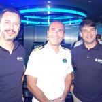 Eduardo Mariani e Ignacio Palacios, da MSC Brasil, com o capitão do MSC Seaside, Francesco Di Palma
