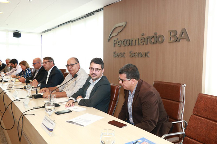 Em reunião, Fausto Franco discute sobre ações para desenvolvimento do setor turístico (Foto: Tatiana Azeviche)