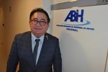 Manoel Linhares encabeça chapa única para eleição da ABIH Nacional