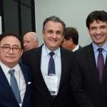 Manoel Linhares, presidente da ABIH Nacional, Claiton Armelim, diretor da CVC Corp, e Marcelo Álvaro, ministro do Turismo