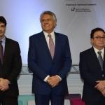 Marcelo Álvaro Antônio, ministro do Turismo, Ronaldo Caiado, governador de Goiás, e Manoel Linhares, presidente da ABIH Nacional