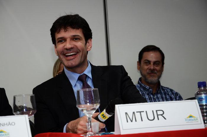 O plano inicial é investir R$ 3,3 bilhões em projetos imobiliários no litoral norte da Bahia