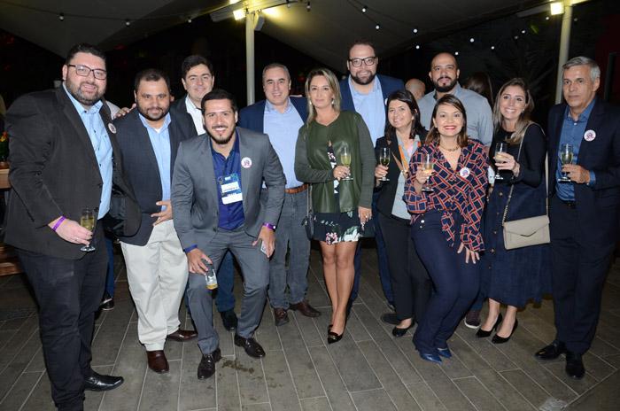 Roberto Vertemati, do Beto Carrero, com representantes de CVC Corp, Flytour MMT e Decolar.com