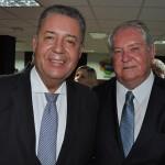 Roy Taylor, presidente do M&E, e Alexandre Sampaio, presidente da FBHA