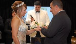 Agentes se casam a bordo do MSC Seaside durante convenção internacional; fotos