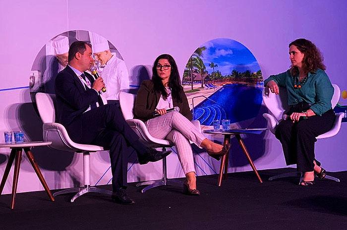 Raffaele Ceccere, Diretor da R1 Soluções Audiovisuais, Lucia Junger, Coordenadora de Eventos da Merck Group e Tricia Neves, Sócia da Mapie