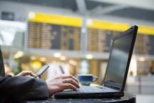 Quase metade dos brasileiros espera retomar viagens a trabalho até o início de 2022