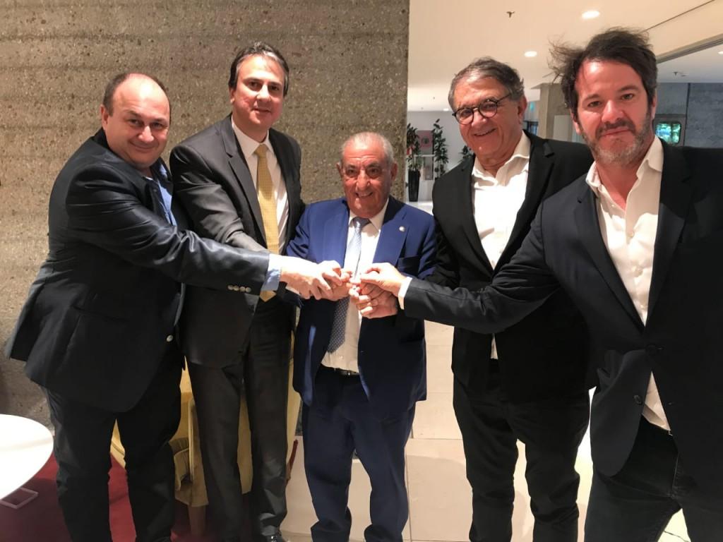 Camilo Santana e Arialdo Pinho com executivos do Grupo Globalia. (Foto: divulgação)