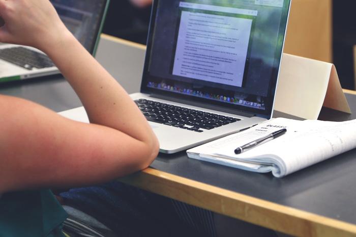 Cinco cursos serão oferecidos em módulos com videoaulas de oito minutos
