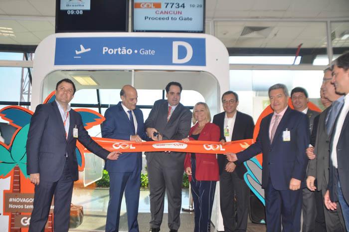 Corte da fita marcou a inauguração da nova rota para Cancún