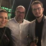 Dáfnis Macédon, do Mabu, entre Martha Oliveira e Alexandre Jung, da Equalizee