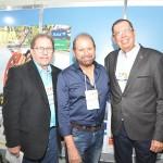 Guilherme Paulus, da GJP com Valdir Walendowsky, de Balneário Camboriú, e Benedito Braga, da Setur-BA