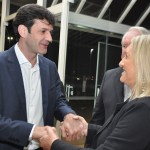 Ministro cumprimenta Rosa Masgrau, do M&E
