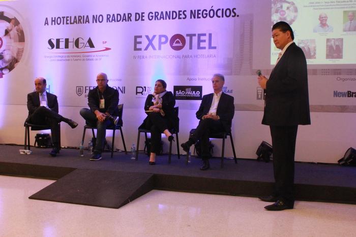 Evento trouxe discussões sobre o mundo da hotelaria e como o turismo é o ponto chave para que as mudanças se tornem possíveis (Camila Mazuquieri)