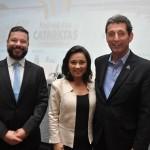 Rafael Luisi, da Comissão da Câmara dos Deputados, Flavia Didomenico, da Santur, e Rogério Siqueira, do Beto Carrero