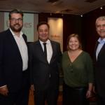 Roberto Nedelciu, presidente da Braztoa, Aluizer Malab, do MTur, Estela Farina e Celso Garcia, da Braztoa