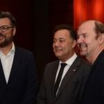 Roberto Nedelciu, presidente da Braztoa, Aluizer Malab, do MTur, e Pablo Bernhard, da TT Operadora
