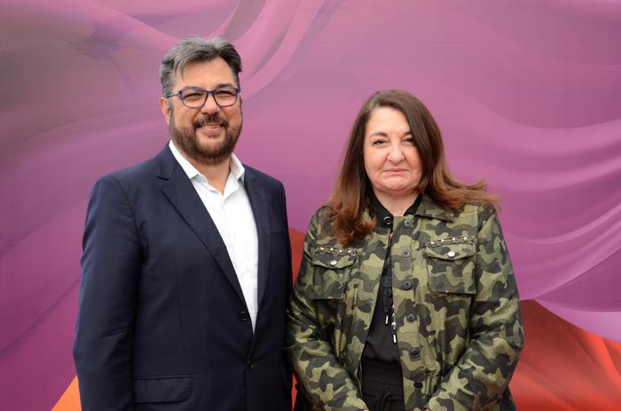 Roberto Nedelciu, presidente da Braztoa, e Magda Nassar, presidente da Abav Nacional