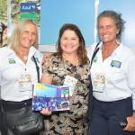 Rosa Masgrau e Mari Masgrau, com Mila Ferreira, da Brasília Viagens