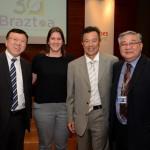 Toyoharu Fujii, Monica Leka, e Celso Katsumi, da Century Travel, e Jorge Watanabe, da Asia Total