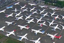Estoque de B737 MAX invade estacionamento de fábrica da Boeing nos EUA