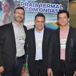 Wellington Estruquel e Eduy Azevedo, do Mabu com Gilmar Piolla, secretário de Foz