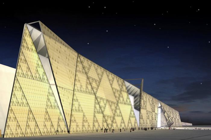 A fachada do GEM (Grande Museu Egípcio), que deve ser inaugurado em 2020, de acordo com o ministro de antiguidades, Khaled al-Anani