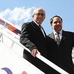 José Efromovich e Renato Pascowich, na época diretor de Marketing, na chegada do 1° A319