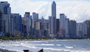 """Conheça as 20 cidades """"mais felizes"""" do Brasil"""