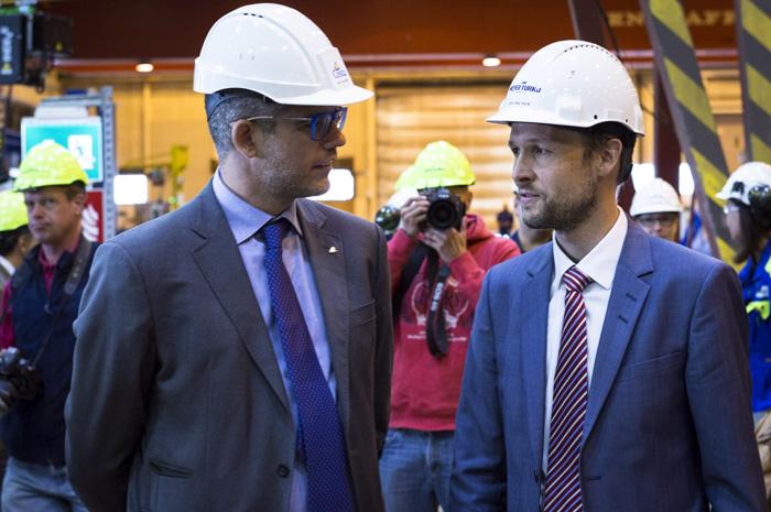 Neil Palomba, presidente da Costa Cruzeiros, ao lado de Jan Meyer, CEO da Meyer Turku