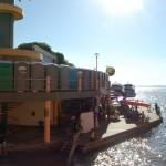 O mercado fica as margens do Rio Amazonas e é um belo cartão postal de Parintins