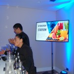 Os convidados foram recepcionados com uma estação de sucos naturais