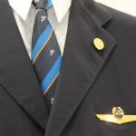 Detalhe do uniforme masculino da KLM