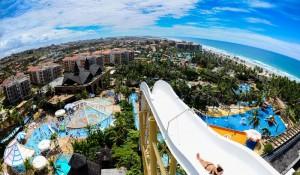 Beach Park abre 270 vagas para alta temporada de verão
