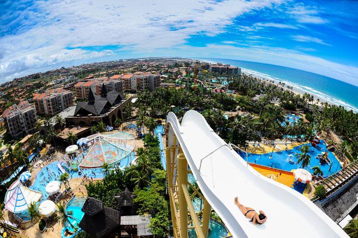 Beach Park é um dos maiores parques temáticos do Brasil