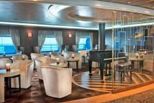 Seven Seas Navigator realiza primeira viagem após renovação completa