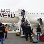 Primeiros passageiros a embarcar da Ilha do Sal para Milão