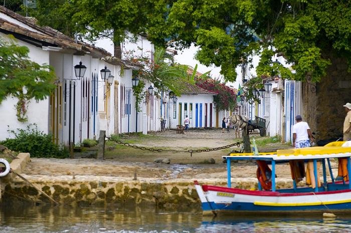 Reconhecido por sua cultura e natureza, Paraty é o primeiro sítio misto do Brasil