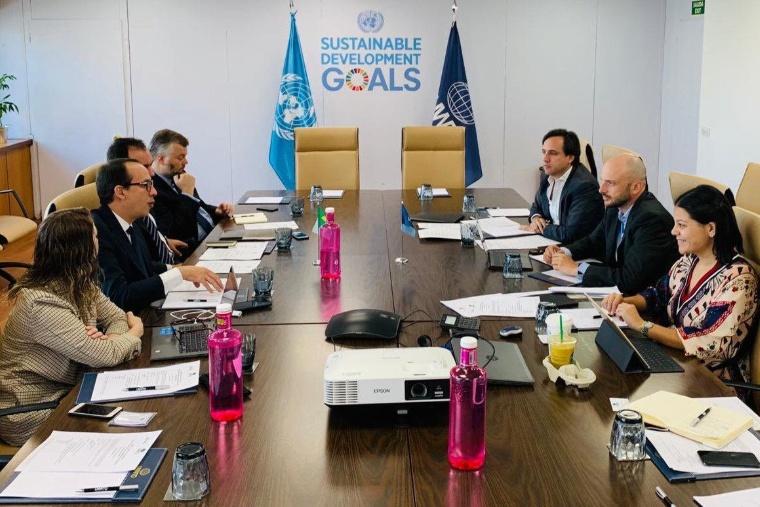 Reunião entre representantes do MTur e da OMT aconteceu na sede da organização, em Madri.