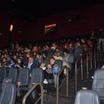 A sala de cinema reservada para a exibição do filme estava completa